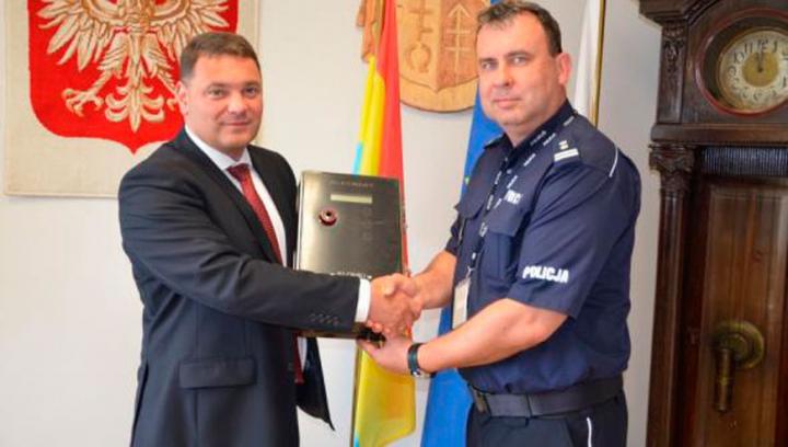 Specjalistyczny alkomat PROMILER AL 4000 w rękach siemiatyckiej policji