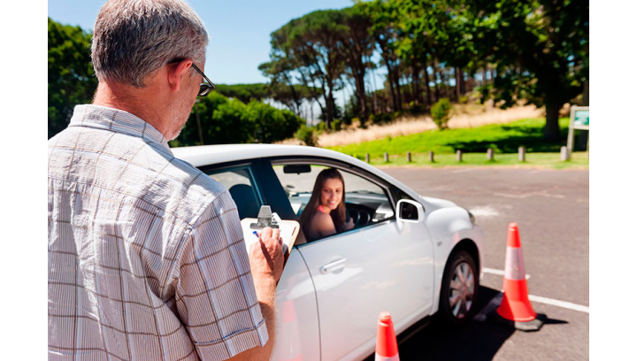 Nietrzeźwy kierowca przewoził dzieci